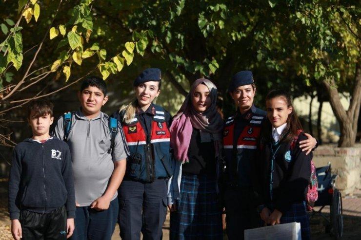 Jandarma ekipleri 7/24 görevde