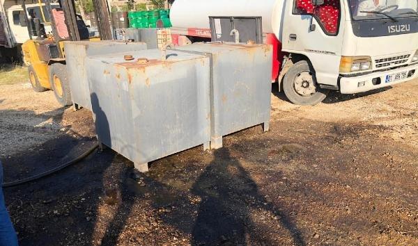 Adana'da 2 bin 300 litre kaçak mazot ele geçirildi