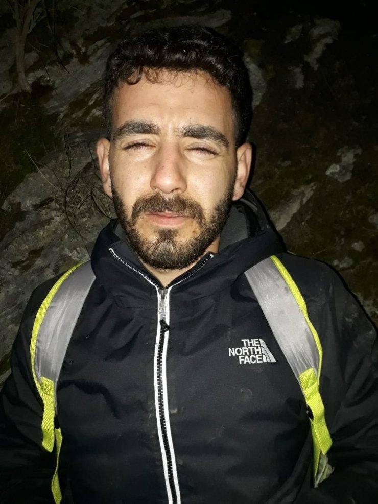 Kanyonda mahsur kalan genç kurtarıldı