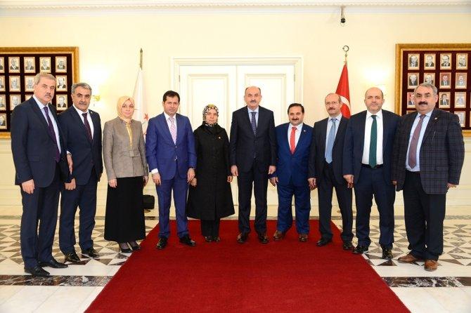 ak-parti-konya-milletvekillerinden-bakanlara-ziyaret--(2).jpg