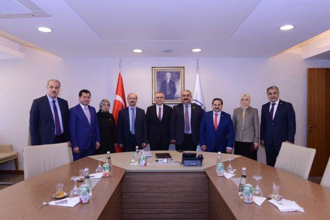 ak-parti-konya-milletvekillerinden-bakanlara-ziyaret--(3).jpg