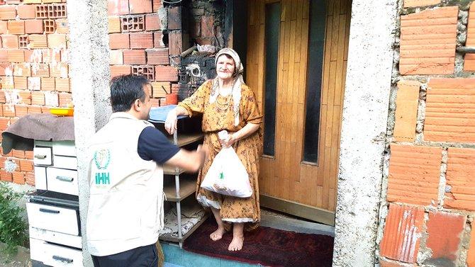 bosna-hersek-kurban-dagitimi-21-08-2018-7.jpg