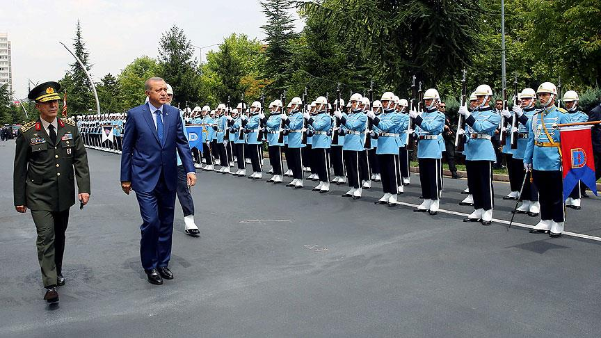 cumhurbaskani-erdogan-genelkurmay-karargahinda.jpg