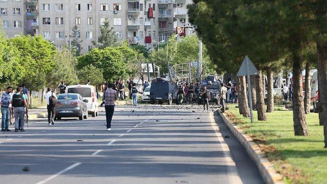 diyarbakirda-bomba-yuklu-aracla-saldiri.jpg