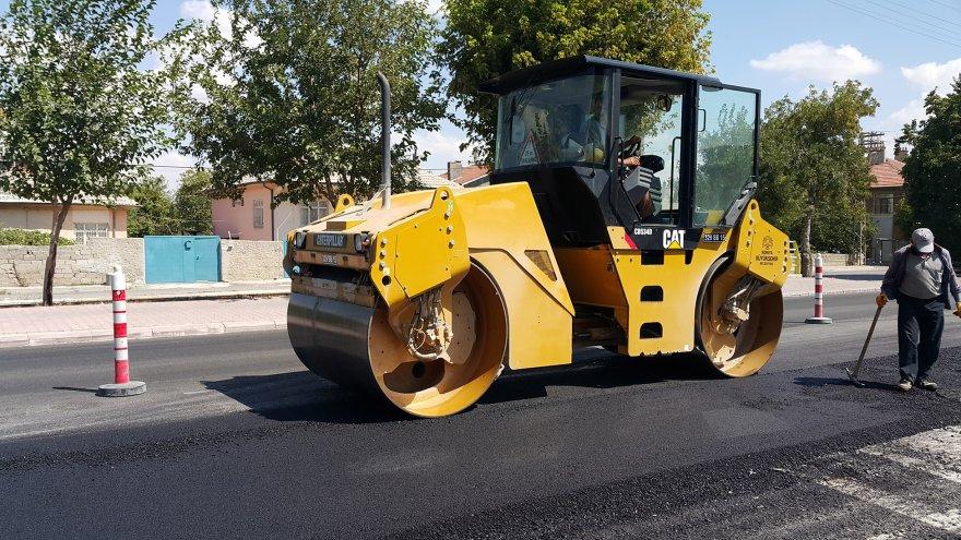 karaman-caddesi'nde-asfalt-yenileniyor-2.jpg