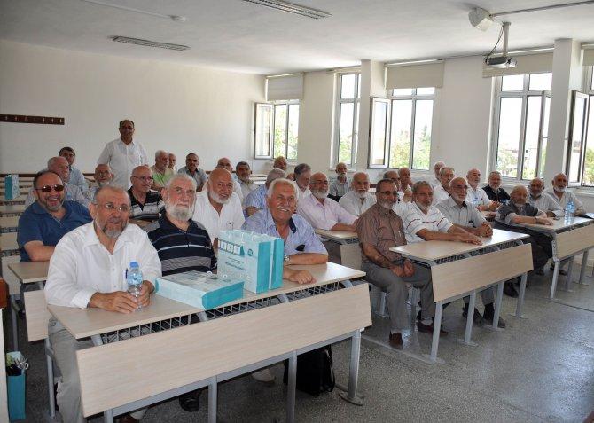 konya-yuksek-islam-enstitusu-ilahiyat-fakultesi-mezunlari-bir-araya-geldi.jpg