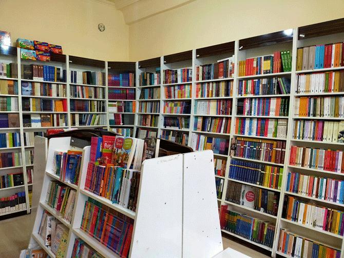 konyada-tarihi-konak-kitaplarla-bulustu-5.png