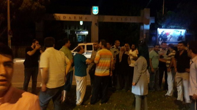 konyada-vatandas-askeri-protesto-ediliyor-2.jpeg