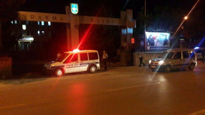 konyada-vatandas-askeri-protesto-ediliyor-3.jpeg