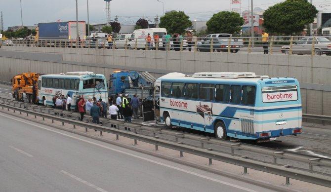 konyada-zincirleme-trafik-kazasi-1.jpg