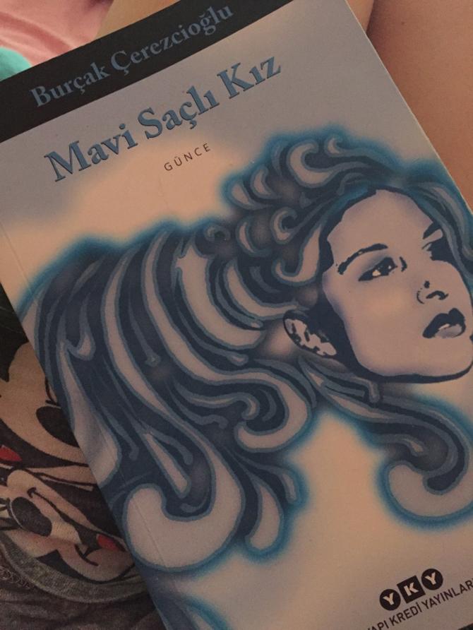 mavi-sacli-kiz.jpg