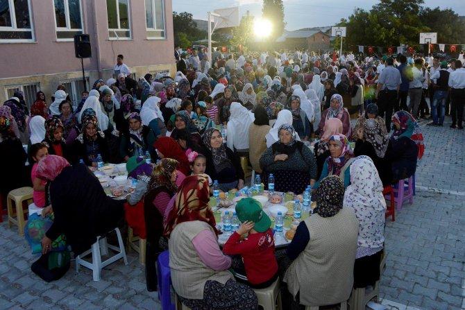 meram'da-kardeslik-iftarlari-suruyor-2.jpg