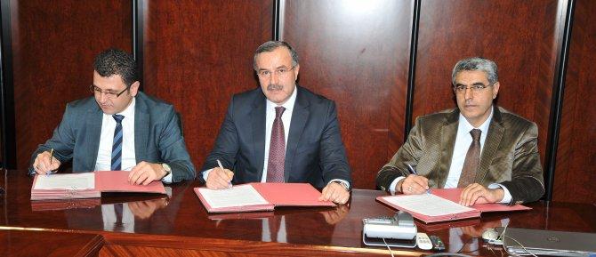 muhendis-adaylari-istihdam-projesi-protokolu-imzalandi.jpg