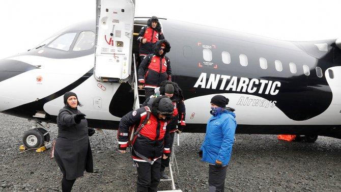 turk-bilim-insanlari-antarktikaya-ulasti-2.jpg