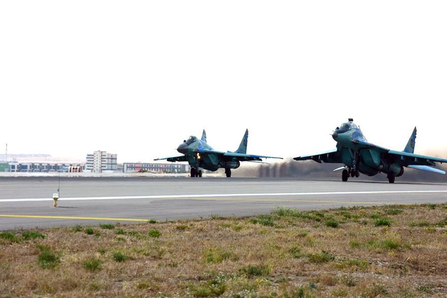 turk-ve-azeri-savas-ucaklarindan-ortak-ucus-(2).jpg