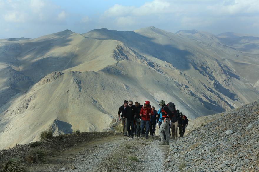 vali-cuneyit-orhan-toprak-konyanin-zirvesinde-yer-aldi-2.jpg