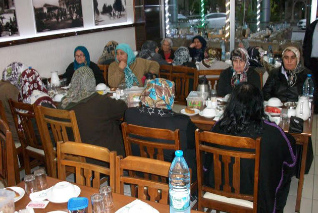 yoruk-ve-turkmenler-dernegi-iftar-(1).jpg