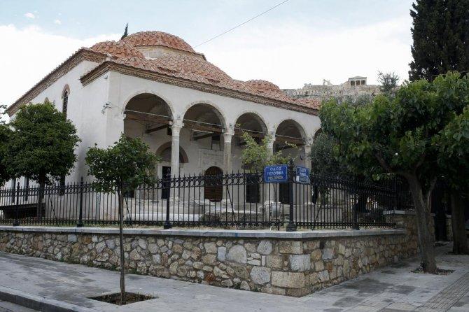 yunanistanda-yok-olan-turk-islam-eserleri-2.jpg