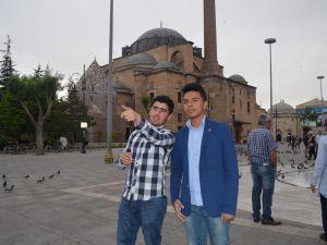 Konyalı öğrenciler Necip Fazıl'ı klip ile andı